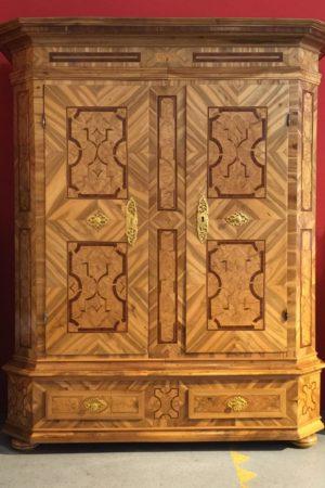 Schloßschrank, datiert 1759