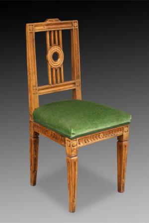 Empirestuhl Nußbaum, Klassizistischer Stuhl um 1780